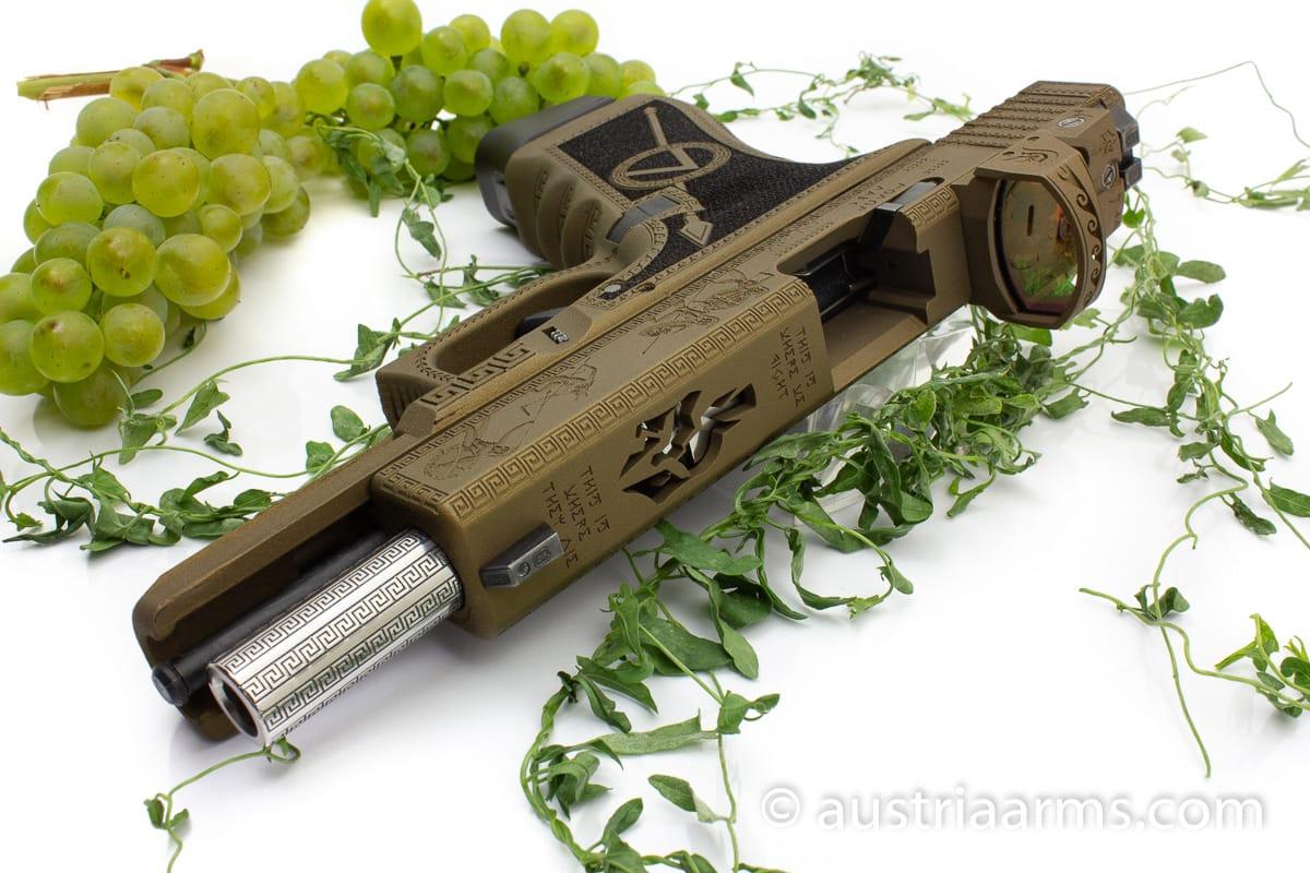 sparta waffe 300 pistole glock 9mm cooles design pistole überfräsen waffentuning